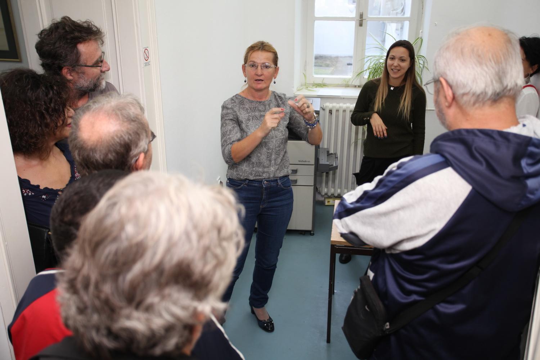 mjesta za upoznavanje gluvih sluha Izlazi 20 i 29 godina